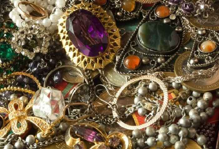 Как очистить ювелирные изделия