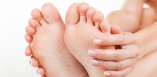 По какой причине появляется косточка на большом пальце ноги?