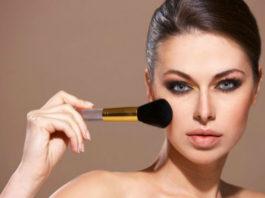 Ошибки в макияже, которые делают кожу лица старее