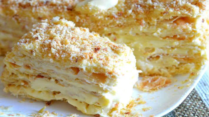 Торт из слоеных ушек с заварным кремом