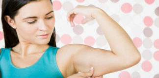 Как избавиться от дряблости рук с помощью простых гимнастических упражнений (видео)