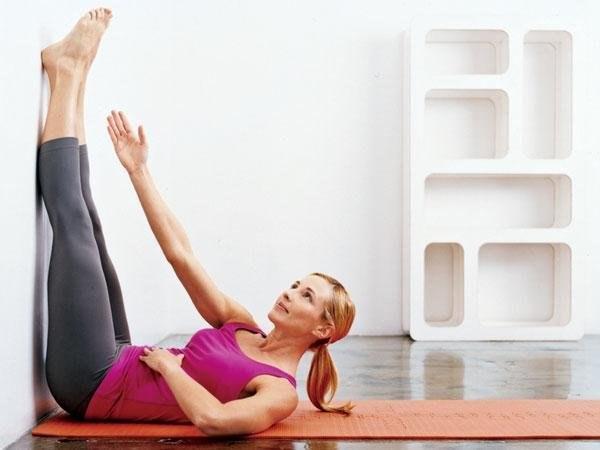 Выполняя такое упражнения в течение двух недель заметите, как исчезает ваш животик4