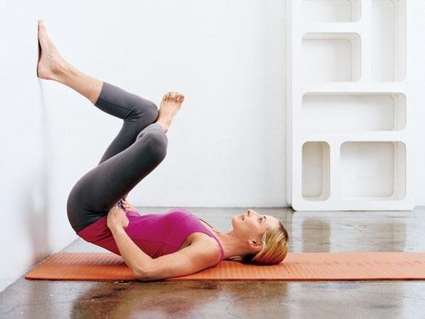 Выполняя такое упражнения в течение двух недель заметите, как исчезает ваш животик6