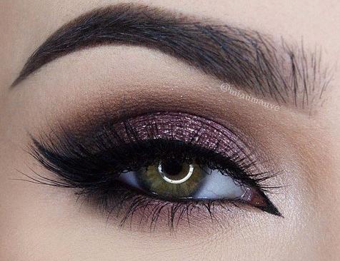 11 шикарных примеров макияжа для зеленых глаз1