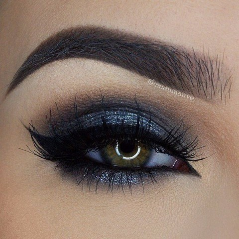 11 шикарных примеров макияжа для зеленых глаз10