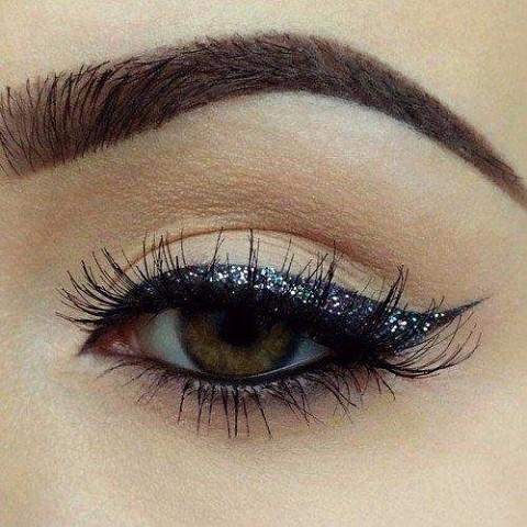 11 шикарных примеров макияжа для зеленых глаз2