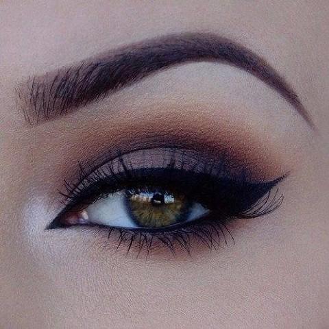 11 шикарных примеров макияжа для зеленых глаз5