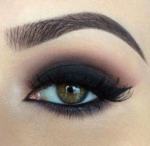 11 шикарных примеров макияжа для зеленых глаз6