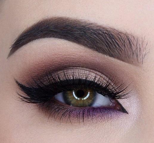 11 шикарных примеров макияжа для зеленых глаз7
