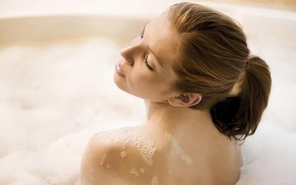 Почему прекратила умываться, принимая душ11