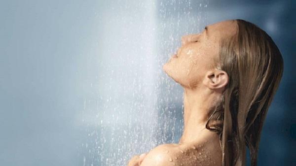 Почему прекратила умываться, принимая душ4