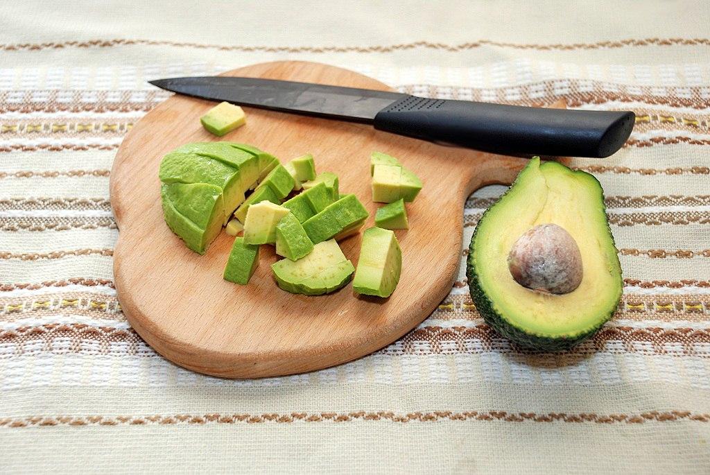 Салат с авокадо: просто и очень вкусно