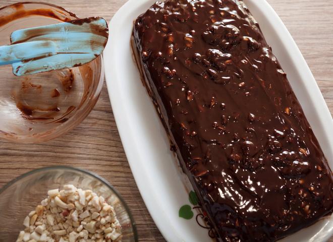 """Торт """"Сникерс"""": рецепт орехово-шоколадного удовольствия"""