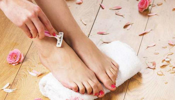 Брить ноги правильно: 7 важных нюансов