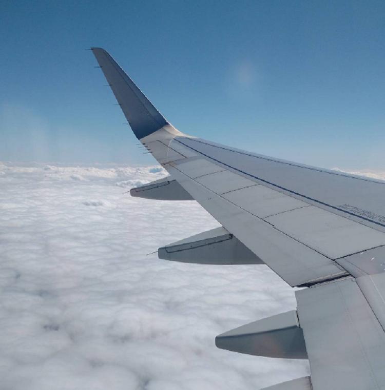 16 хитростей, которые помогут пережить тяжелый перелет