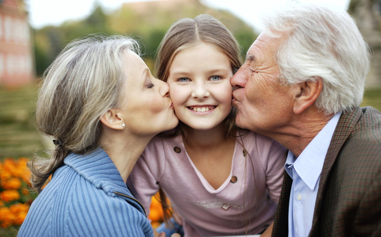 Родить за 35 — это эгоизм? Взрослые дети о поздних родителях