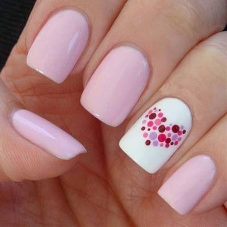 Женственно и нежно: 30 эффектных идей для розового маникюра