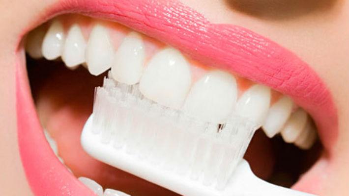 ГАРАНТИРОВАНО! Отбелить зубы менее чем за 2 минуты!