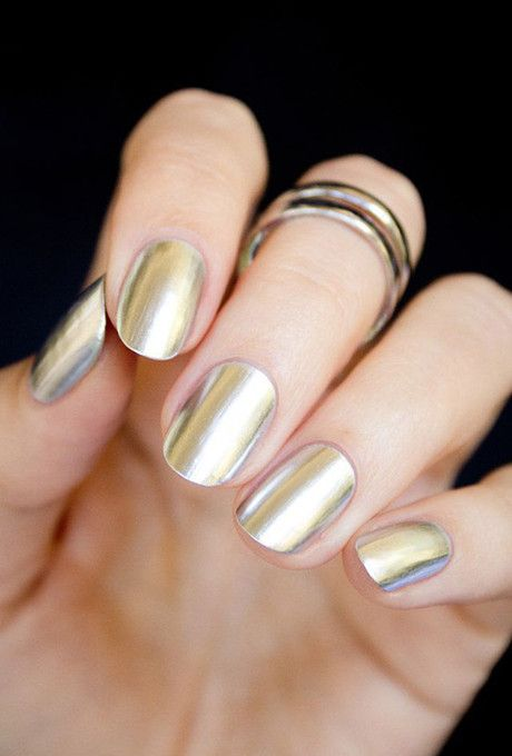 Зеркальные ногти: главный тренд в маникюре — покажи мастеру!