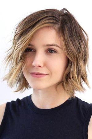 Градуированное каре на короткие и средние волосы: стильные варианты
