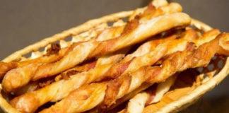 Корявки-хлебные палочки с сыром