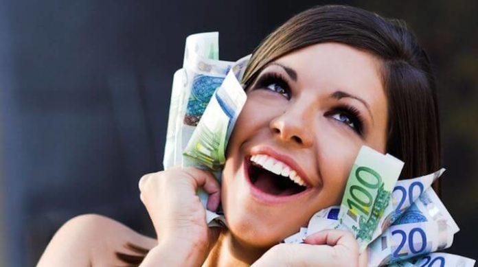 Шепотки на деньги: 5 заговоров на богатство