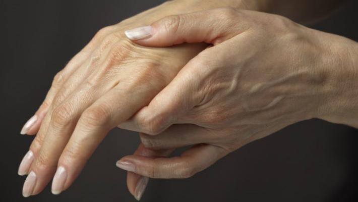Как избавиться от морщинистой кожи на руках: женские хитрости