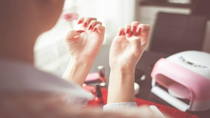 Если ногти ломаются и слоятся, то организм пытается кое-что вам сказать