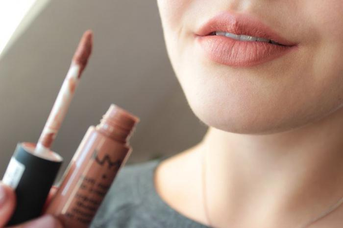 Как не нужно красить губы