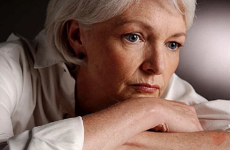 Причины боли в груди: почему нельзя спать в бюстгалтере