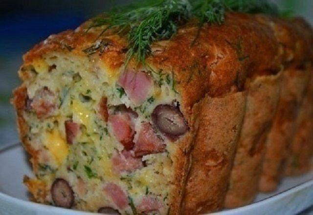 Мясной кекс с фасолью и сыром