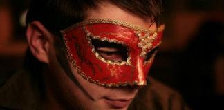 А вы знали, что мужские знаки зодиака прячут свои слабости под масками?