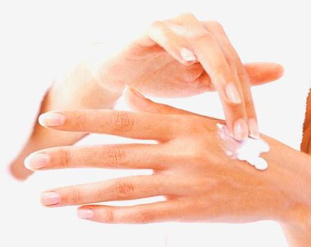 Лучшее средство против сухости кожи зимой