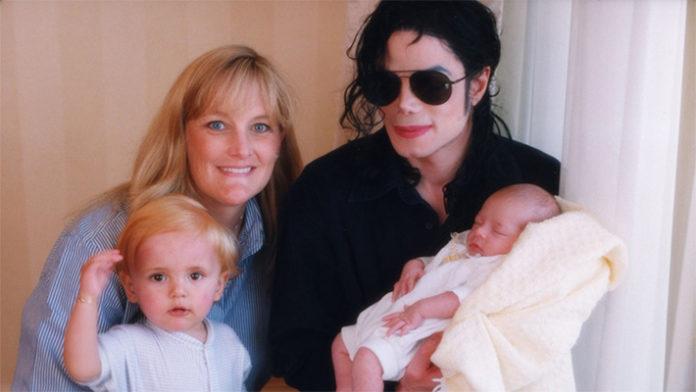 Почему дети Майкла Джексона белокожие?