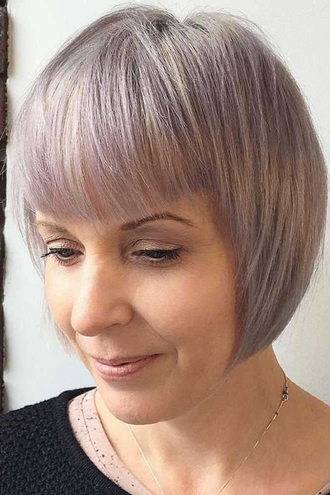 https://krasotka.cc/wp-content/uploads/2017/11/short-haircuts-for-women-over-40-grey-bob-straight-bang.jpg