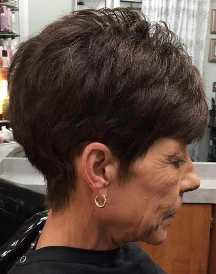 Прически для женщин старше 50 лет29