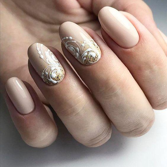 Шикарный маникюр на овальную форму ногтей22