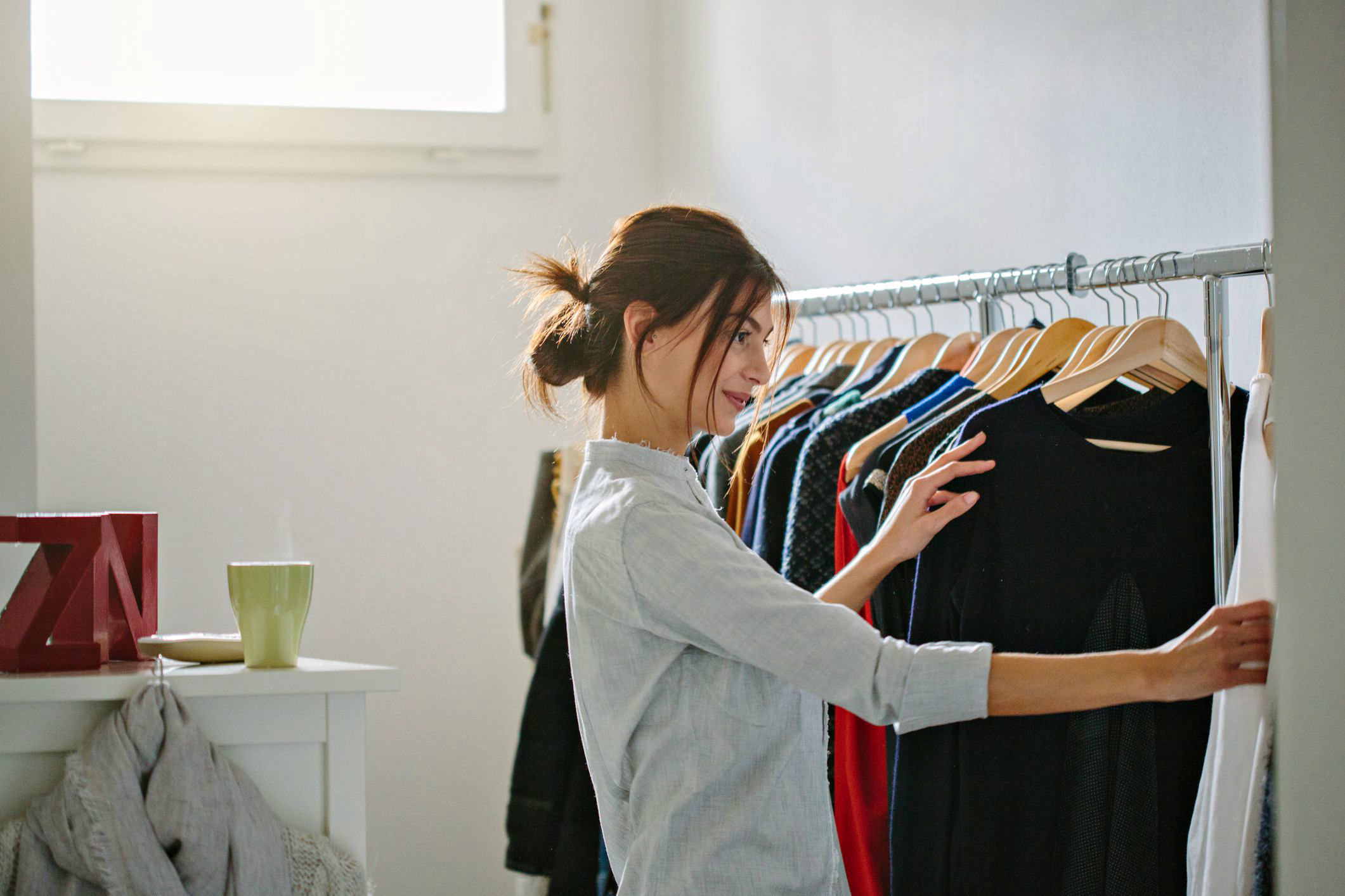 https://admin.lady-4-lady.ru/wp-content/uploads/2018/08/how-to-maximize-your-closet-storage-9.jpg