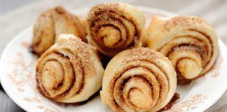 Замечательный завтрак во время поста — постные булочки с изюмом, орехами и медом