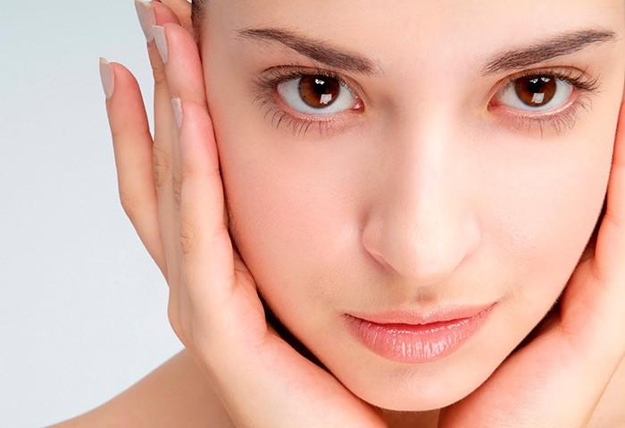 Растение, которое очищает, питает и подтягивает кожу лица не хуже дорогих процедур