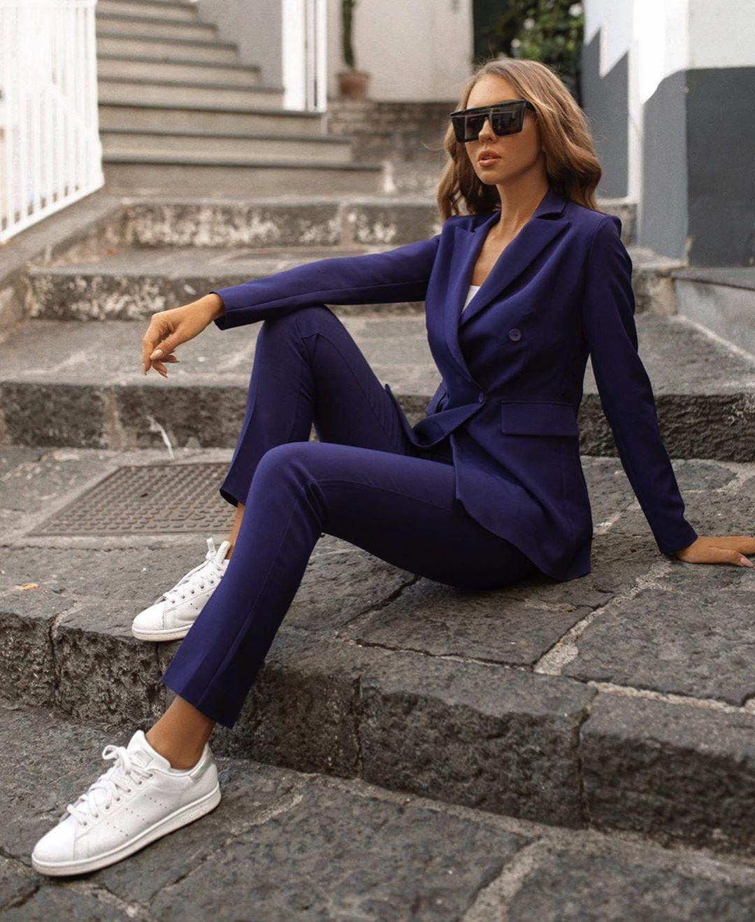 Белые кроссовки + брюки: самые удачные сочетания - 3